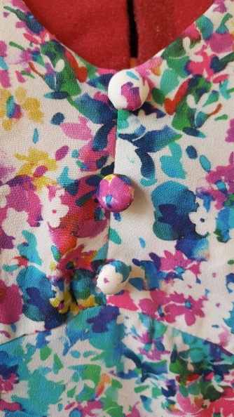 1940s tea dress buttons
